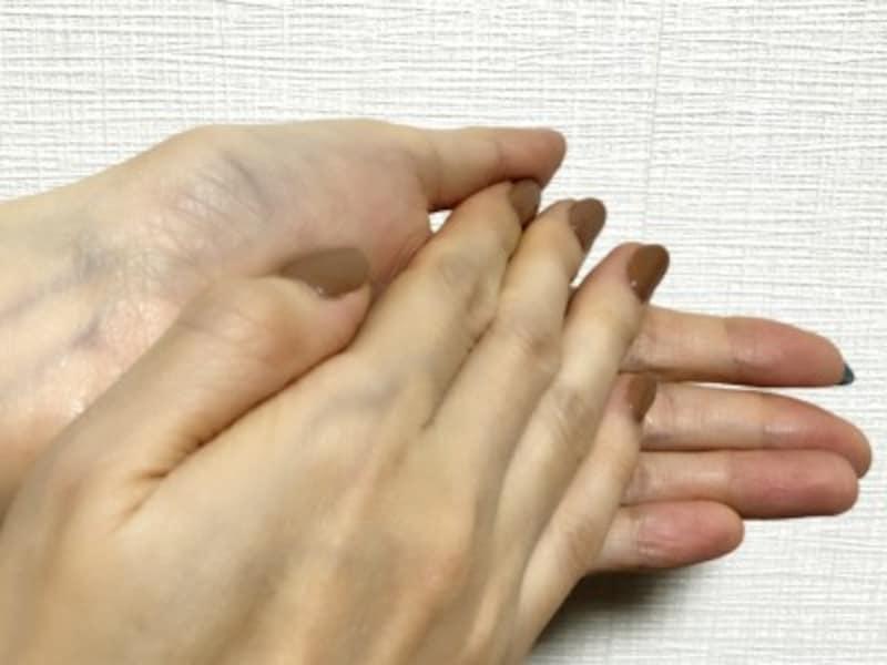 手荒れの種類別ケア法と対策!正しいクリームの塗り方とプラスケア法