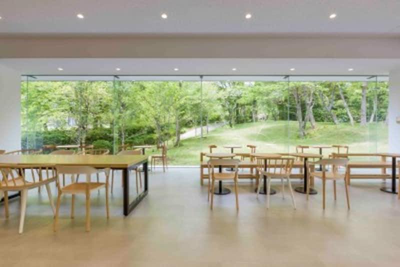 箱根ひとり旅の観光スポット:カフェ内観