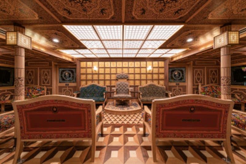 箱根ひとり旅の観光スポット:特別船室の女王陛下の玉座