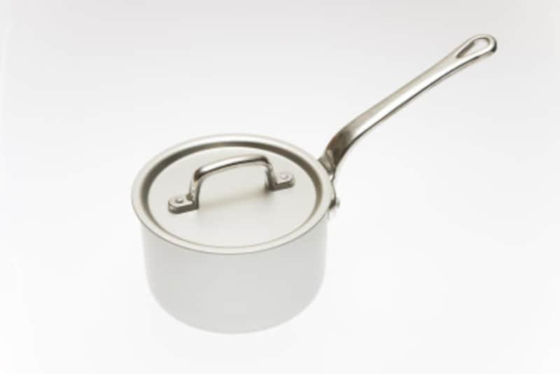 鍋やフライパンの焦げ付き汚れの簡単な落とし方