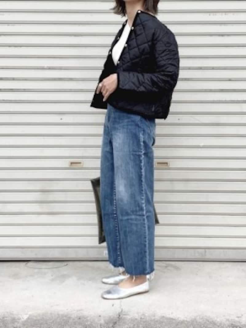 体型カバーができる太めデニムにはショート丈ジャケットが◎ 出典:WEAR
