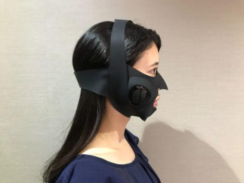 フィット感のあるマスクでただつけているだけでも、引き締められるような使い心地