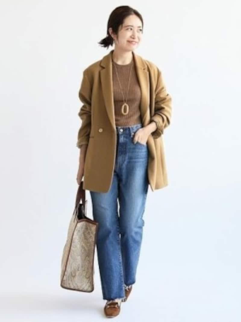 生地が厚めでアウター替わりにもなるジャケットが便利 出典:WEAR