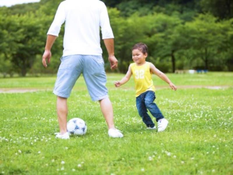 公園でおもいっきり遊んでくれるパパがうらやましかったマイコさん。