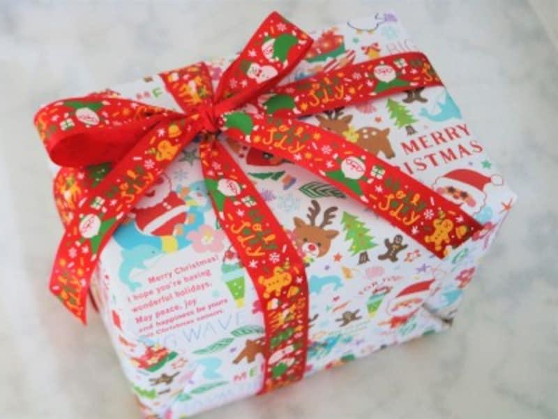 キャンドゥ・ロールペーパー(バカンスサンタ)子どもへのプレゼントは必ず包装紙で包みましょう。