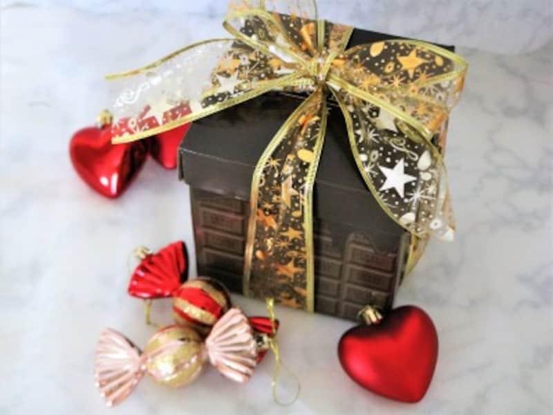 キャンドゥ・リボン(金)金のリボンはプレゼントが高見えします。