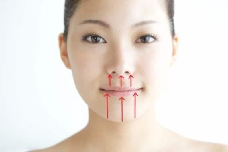 クレンジングとは?ニキビ敏感肌など正しいクレンジング方法