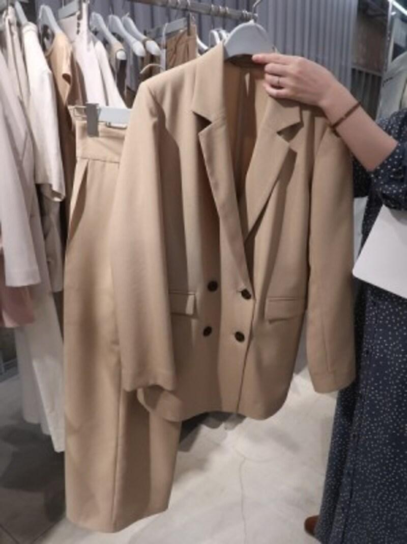 オンオフに絶対使えるジャケットやきれいめパンツも!