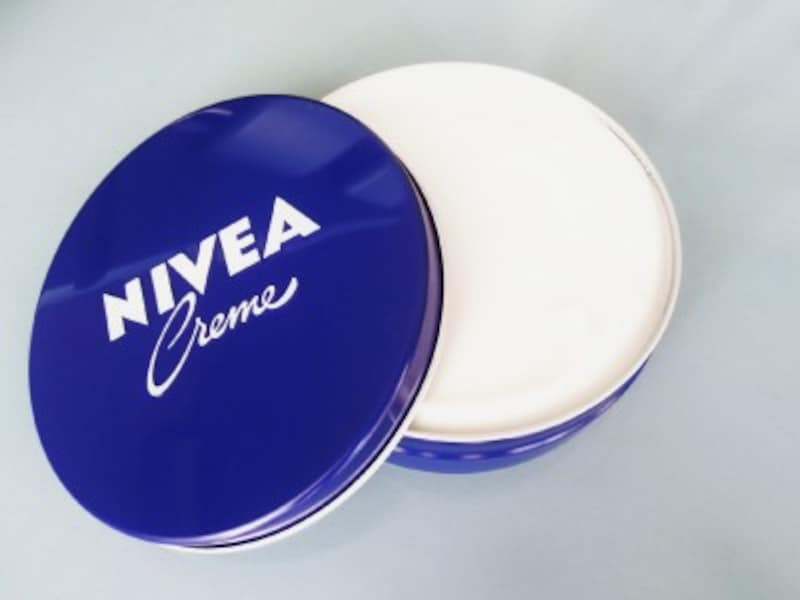たっぷり入ってお手頃価格のニベアの青缶