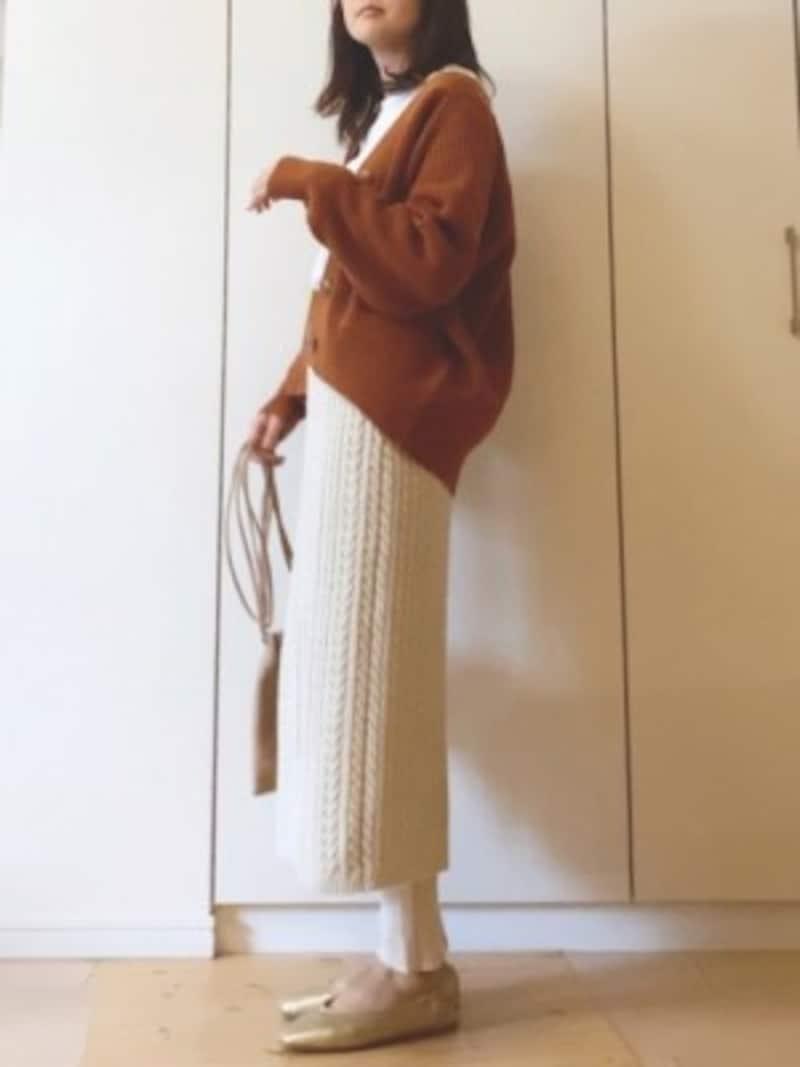 新色も追加に!人気のケーブルニットナロースカート出典:WEAR