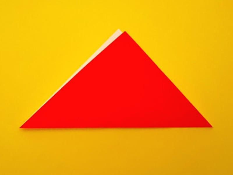 折り紙ひな祭りリースお雛様 三角に折る