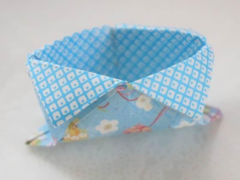 折り紙の箱の折り方・作り方小さな舟形節分豆入れ