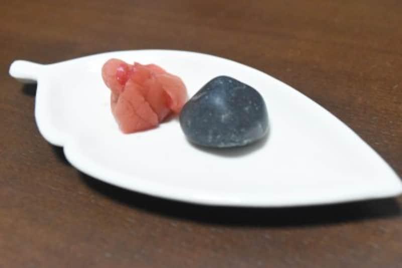 お食い初め歯固めの石を梅干しで代用