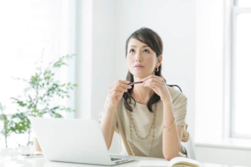女性ホルモンの減少は更年期障害にも関係する