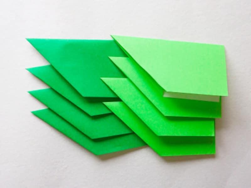 こどもの日折り紙リース 緑4枚・黄緑4枚折る