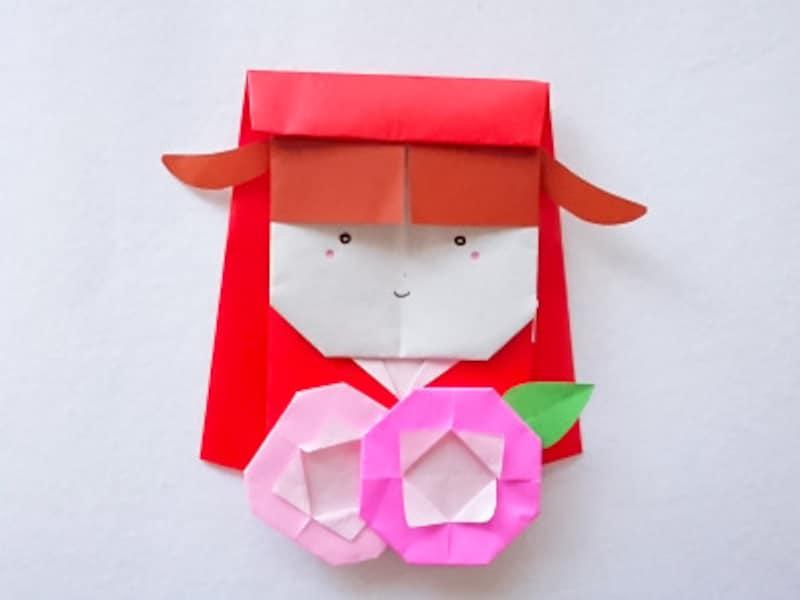 折り紙の赤ずきんちゃん