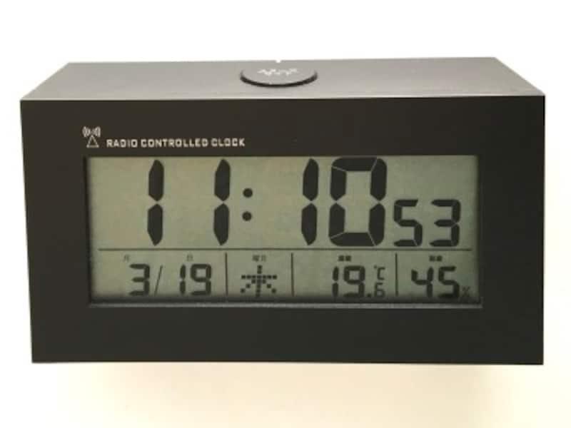 ニトリ電波時計デジタル