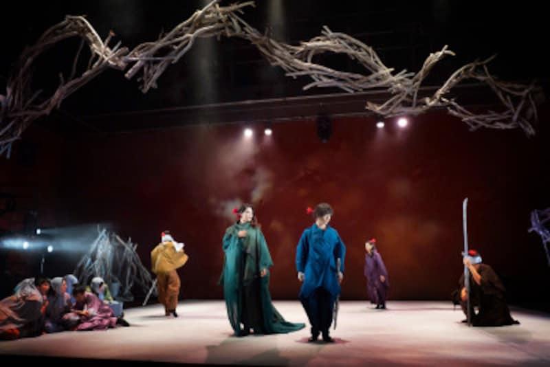 『花薗』写真提供:舞台芸術集団「地下空港」