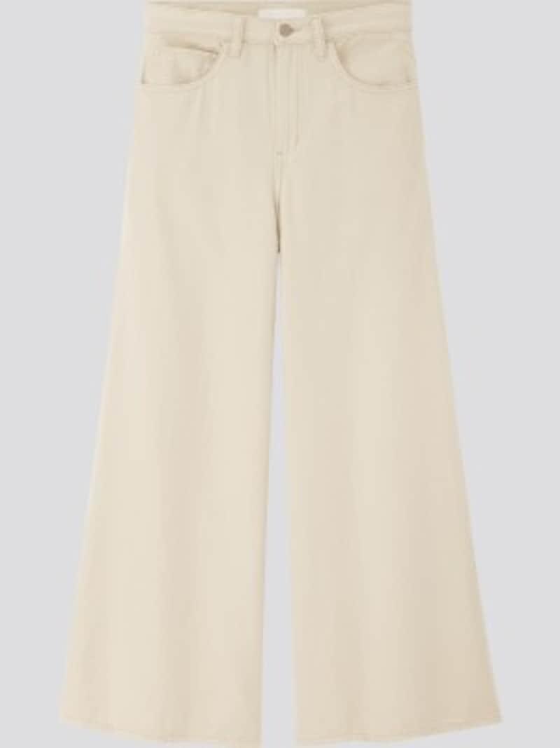 ユニクロ ハイライズスーパーワイドジーンズ 2990円(税抜)