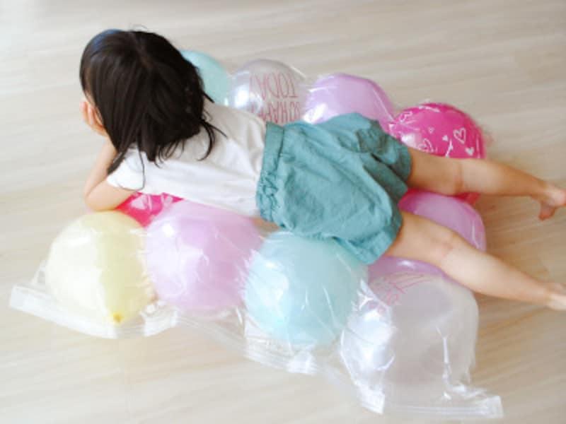 おうち時間・室内遊び 100均の商品で作れるバルーンマット
