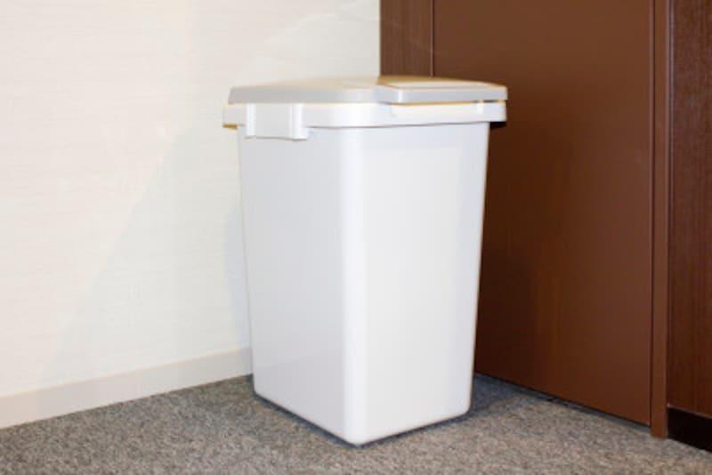 生ゴミを入れたゴミ箱