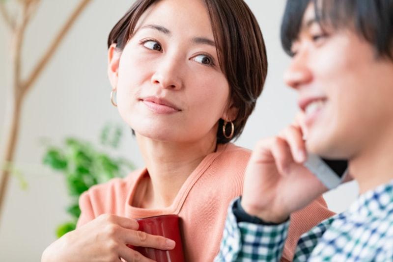 お悩み:彼氏に近づく「相談女」を、どうにかして遠ざけたいです
