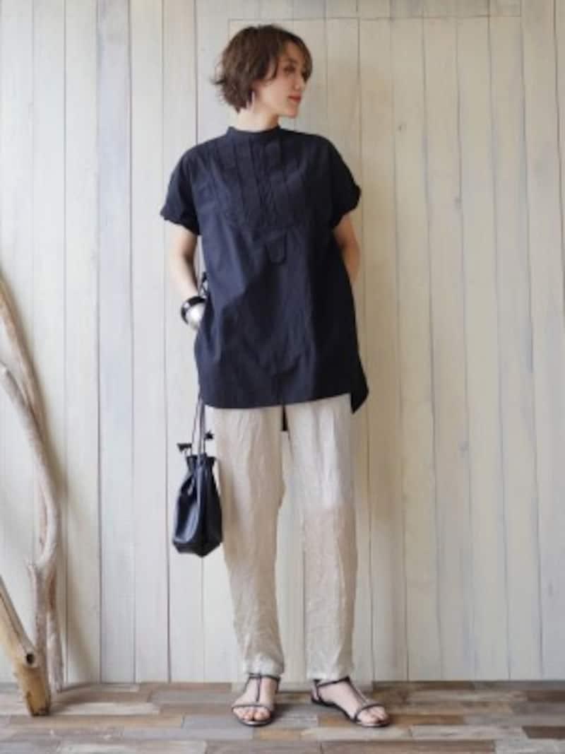 ヴィンテージ風ドレスシャツのコーディネート 出典:WEAR