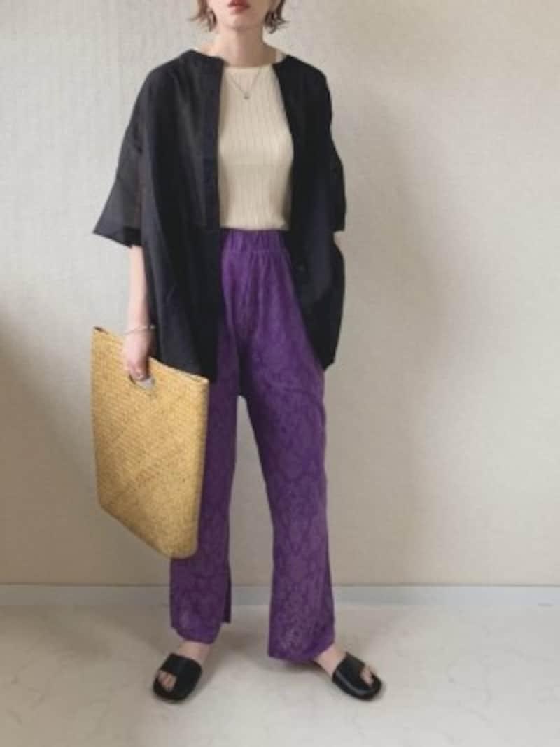 シアーシャツの羽織りコーディネート 出典:WEAR