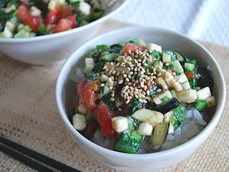 夏野菜のネバネバ丼