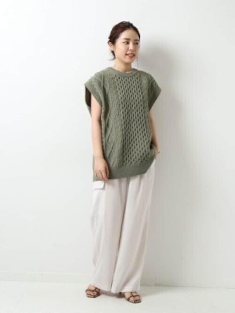シンプルなものからケーブル編みなどデザイン入りのものまで豊富 出典:WEAR