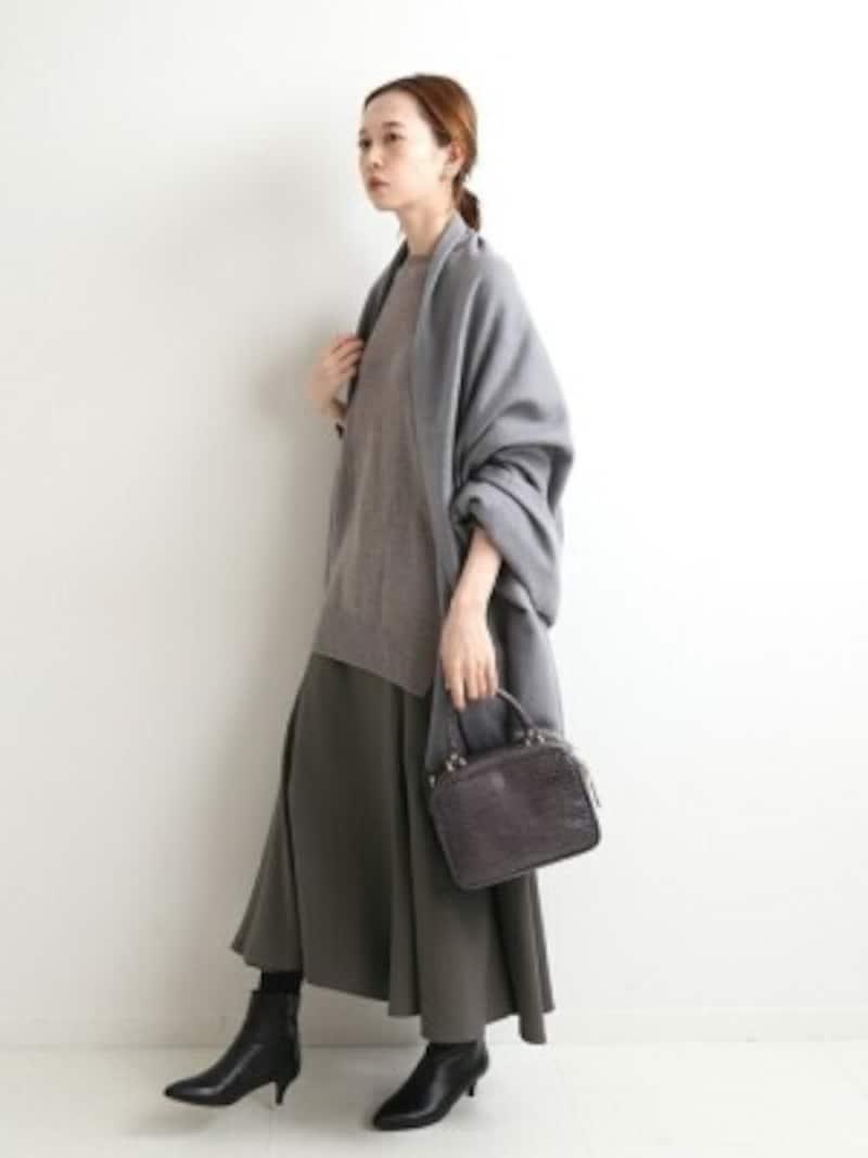 長すぎず短すぎない、絶妙なスカート丈が今年のトレンドです 出典:WEAR