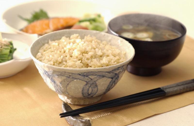 日本人の精神性が、箸に結界の意味をもたせました