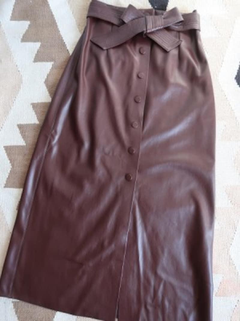 ZARAレザー風スカート5990円(税込)