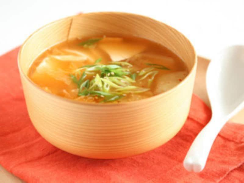 豆腐とキムチのチゲ風スープ
