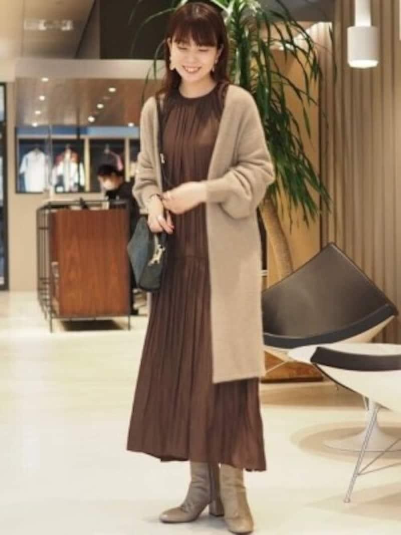 洋服のシルエットに沿ってくれる柔らかさも使いやすい 出典:WEAR