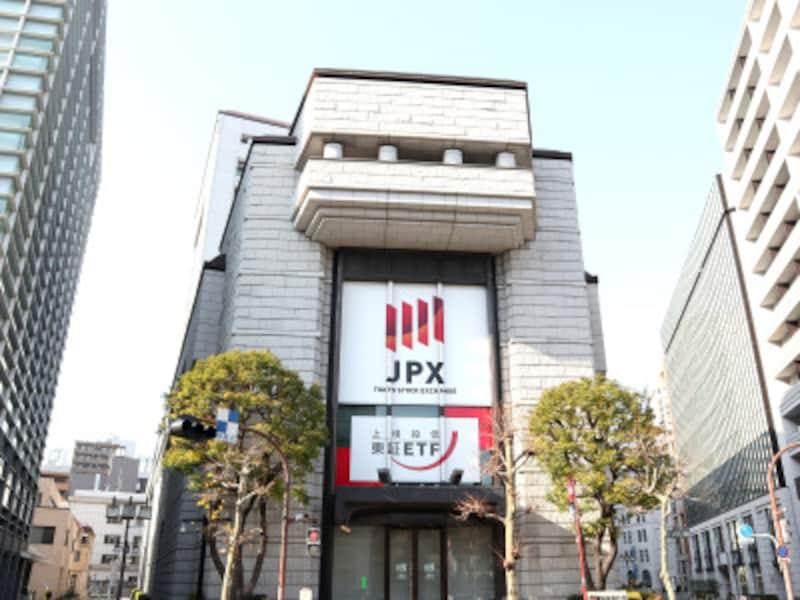 東京証券取引所(slyellow/Shutterstock.com)