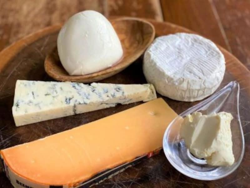 チーズ、カマンベール、モッツァレラ、クリームチーズ、ゴルゴンゾーラ、ベームスター