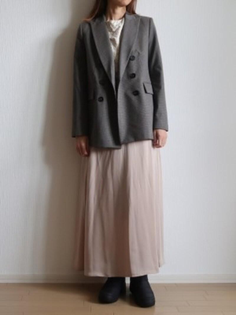 ショートブーツ感覚でロングスカートからのぞかせてもOK