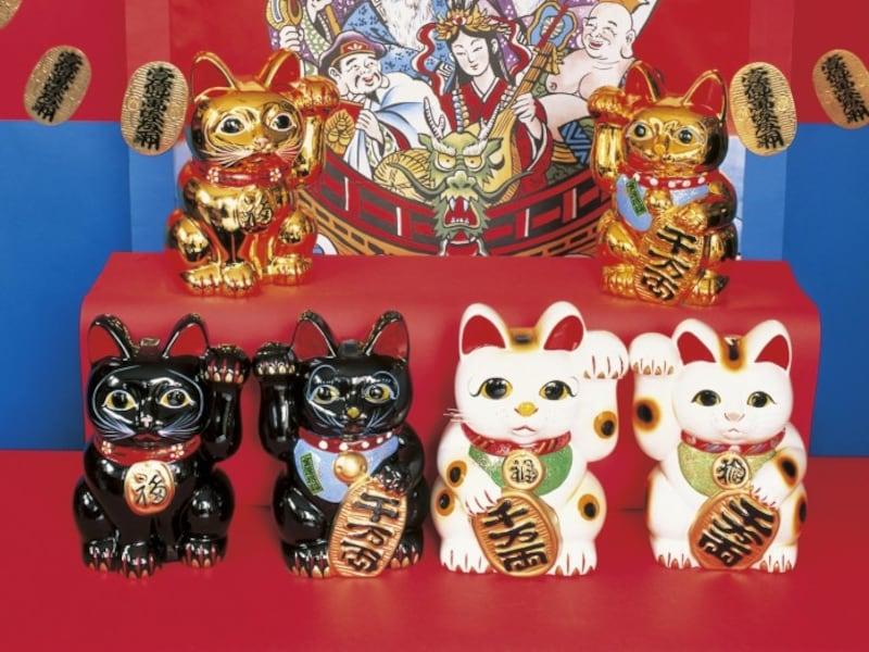 招き猫の発祥・由来は諸説あり、定かではない