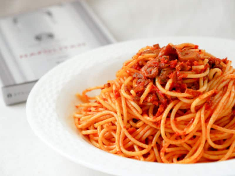 ホテルニューグランド伝統の「スパゲッティナポリタン」をおウチで!