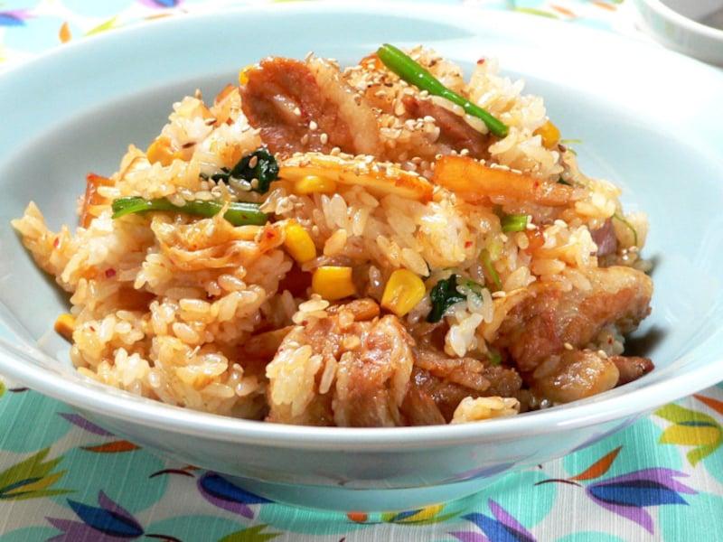 キムタクご飯(出典:キムタクご飯とは?長野県の給食で人気のキムチ混ぜご飯のレシピ)