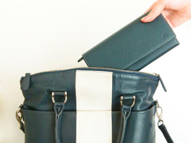 キタムラのバッグとあわせて持ってもおしゃれな長財布