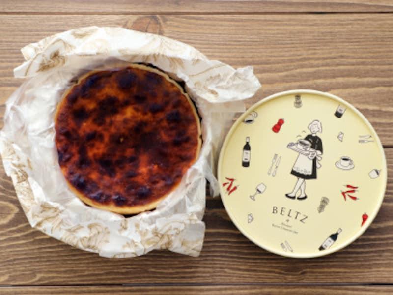 BELTZのチーズケーキ。美しい焼き色と、崩れてしまいそうな柔らかさ。