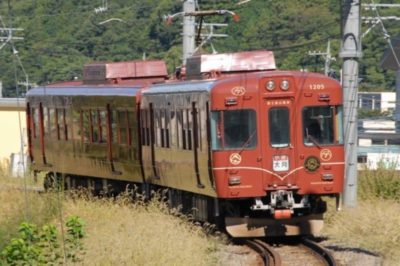 富士急行の観光列車「富士登山電車」