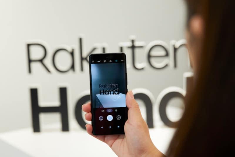 RakutenHandのカメラは約4800万画素の広角カメラと、約200万画素の深度測位カメラの2つのみ。機能も最近のスマートフォンとしてはシンプルだ