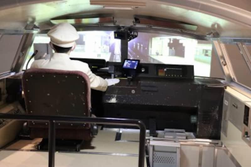 LSEの運転シミュレータ