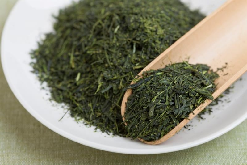新茶に茎が混入しているのは稀。