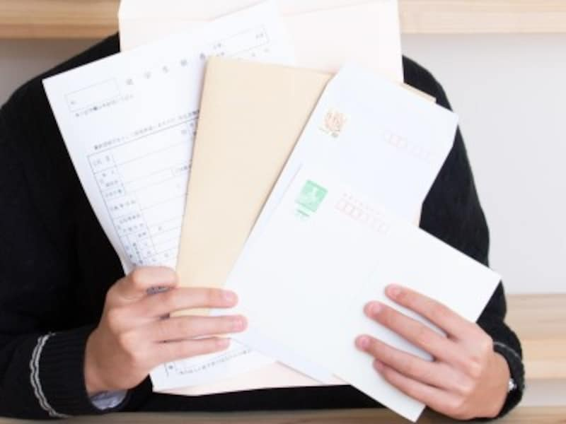 総合型選抜では「志望理由書」「活動報告書」に加えて、小論文や面接、そして意欲などを総合的に評価される