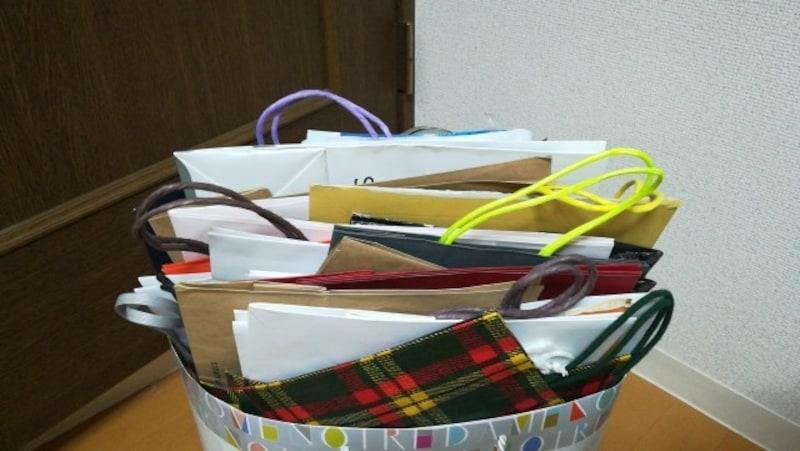 包装紙や紙袋、文具類