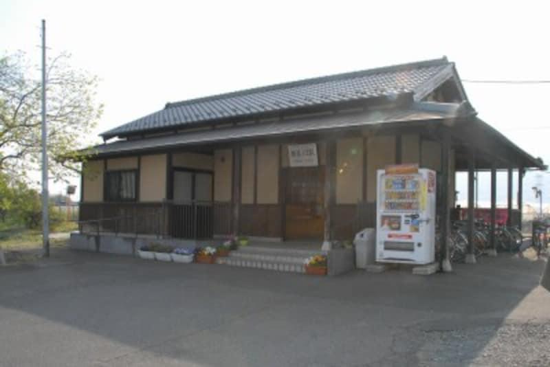 趣のある騰波ノ江駅